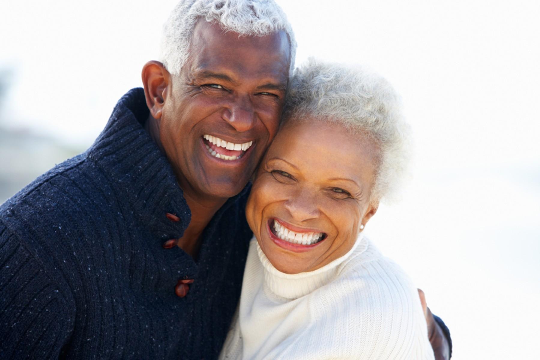 can-seniors-whiten-their-teeth